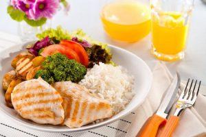 Acostumbrémonos a seguir una dieta saludable