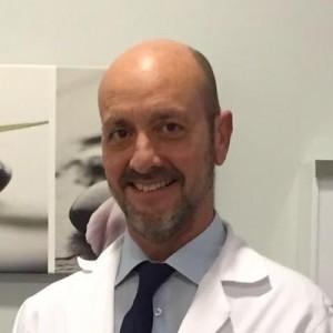 Doctor Rada, cirujano especialista en coloproctología.
